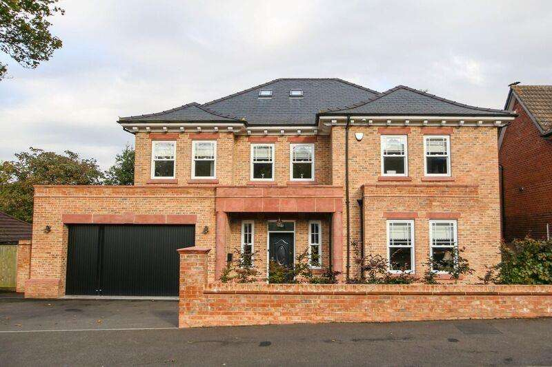 5 Bedrooms Property for sale in Burfield Drive, APPLETON, Warrington, WA4