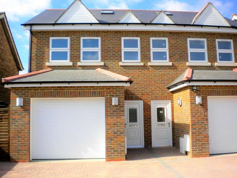 4 Bedrooms Semi Detached House for sale in Hughes Road, Ashford