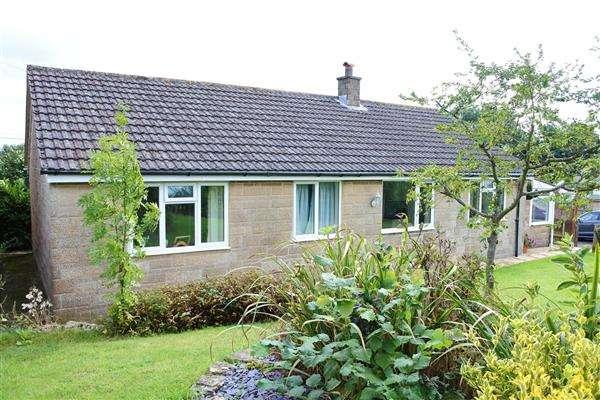 3 Bedrooms Detached Bungalow for sale in Back Lane, Kington Magna, Gillingham