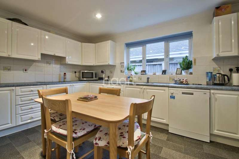 4 Bedrooms Bungalow for sale in March Road, Turves
