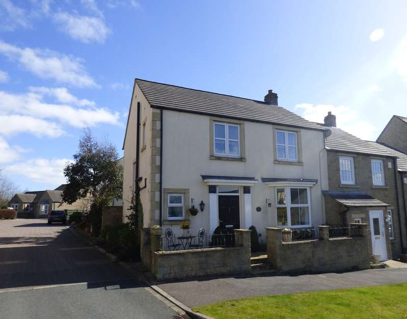 3 Bedrooms Semi Detached House for sale in Dale Grove, Leyburn