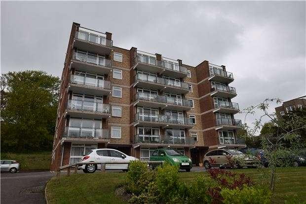 1 Bedroom Studio Flat for sale in Fitzalan House, Arundel Road, EASTBOURNE, East Sussex, BN21 2EN