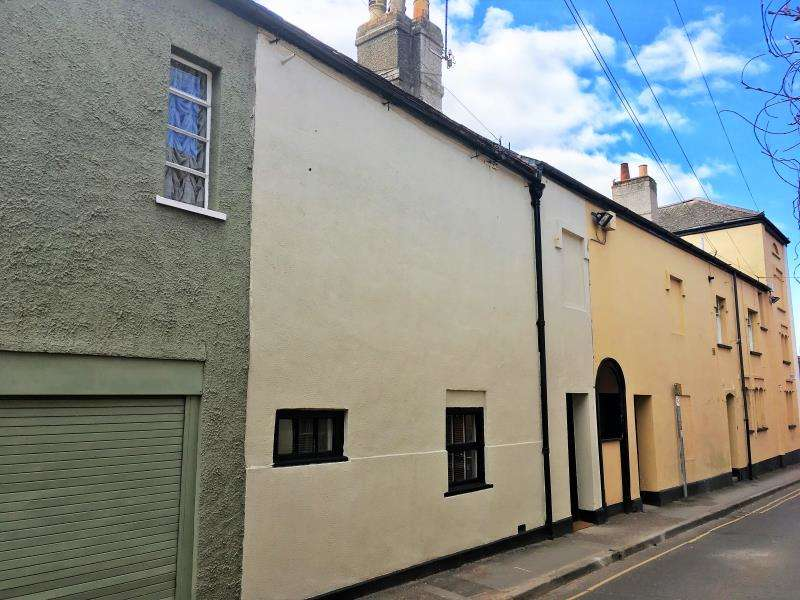 1 Bedroom Terraced House for sale in Mount Street, Taunton, Somerset, TA1 3QF