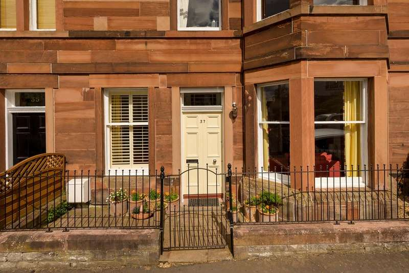 2 Bedrooms Flat for sale in 37 Ladysmith Road, Blackford, EH9 3EU