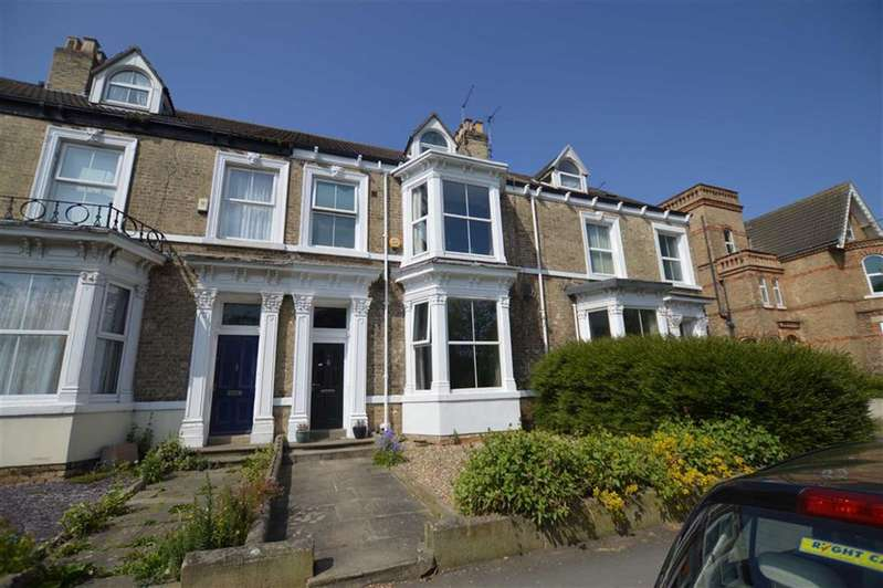 5 Bedrooms Terraced House for sale in New Road, Hornsea, East Yorkshire