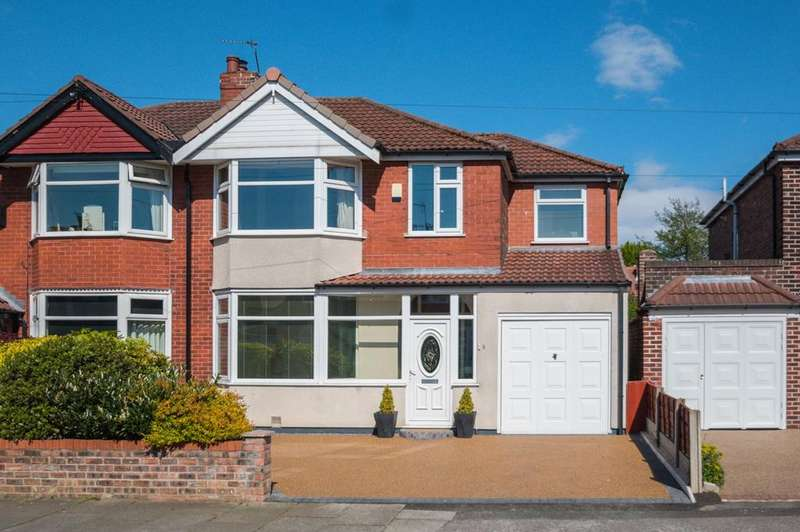 4 Bedrooms Semi Detached House for sale in Tewkesbury Avenue, Davyhulme, Manchester, M41
