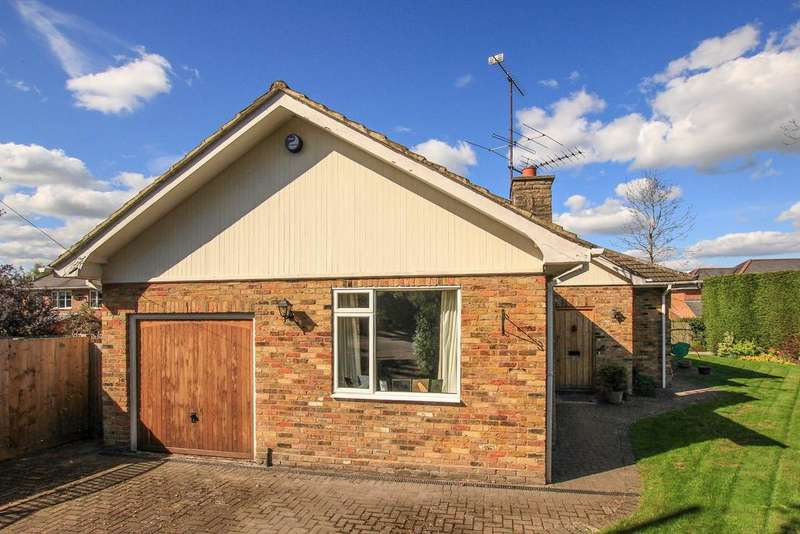 3 Bedrooms Detached Bungalow for sale in Chestnut Close, Potten End, Berkhamsted HP4