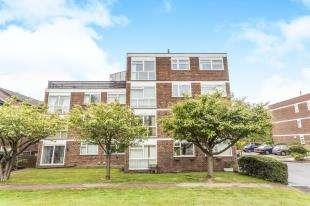 2 Bedrooms Flat for sale in Ingleside Close, Beckenham, Kent, Uk