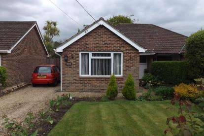 3 Bedrooms Bungalow for sale in North Baddesley, Southampton, Hampshire