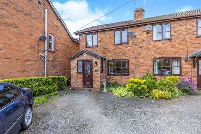 3 Bedrooms Semi Detached House for sale in Talbot Street, Whitchurch, Whitchuch, Shropshire