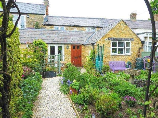 2 Bedrooms Cottage House for sale in Park End, Croughton