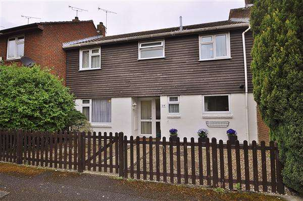 4 Bedrooms Terraced House for sale in ASHFORD TN24