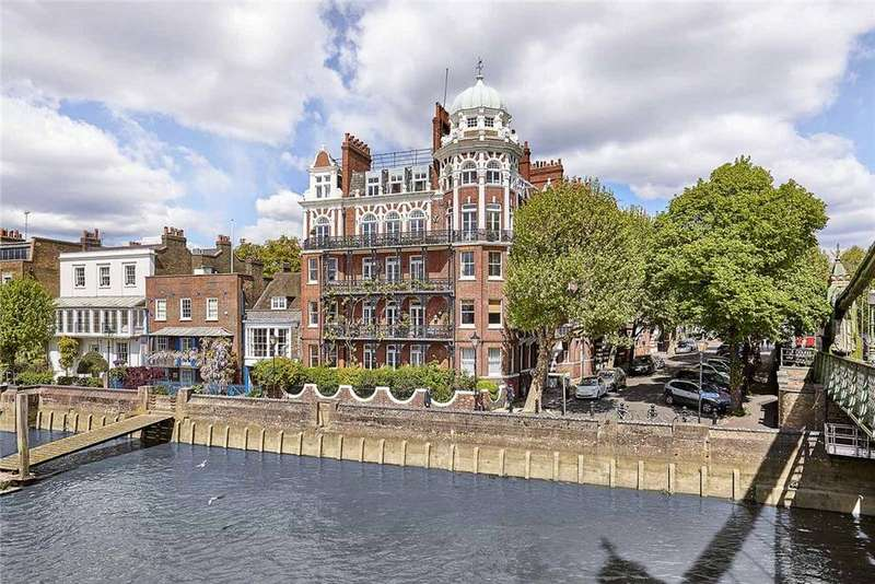 2 Bedrooms Penthouse Flat for sale in Digby Mansions, Hammersmith Bridge Road, London, W6