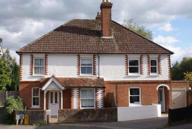 3 Bedrooms Semi Detached House for sale in Cranleigh, Surrey