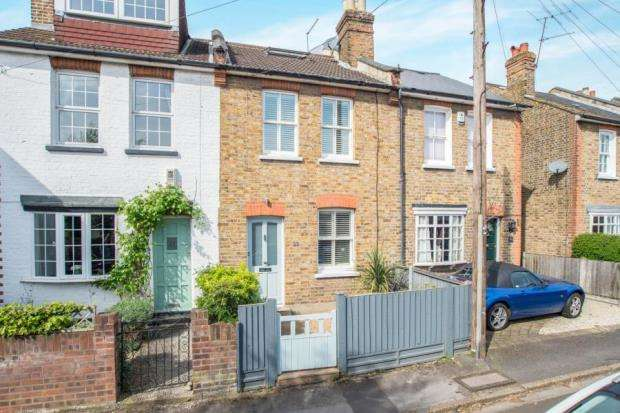 3 Bedrooms Terraced House for sale in West Molesey, Surrey, .