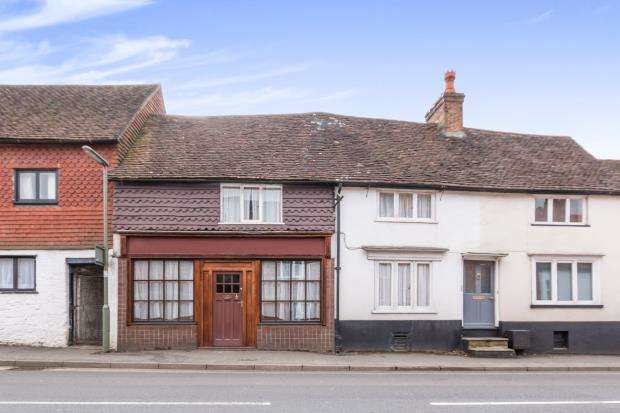 3 Bedrooms House for sale in Haslemere, Surrey