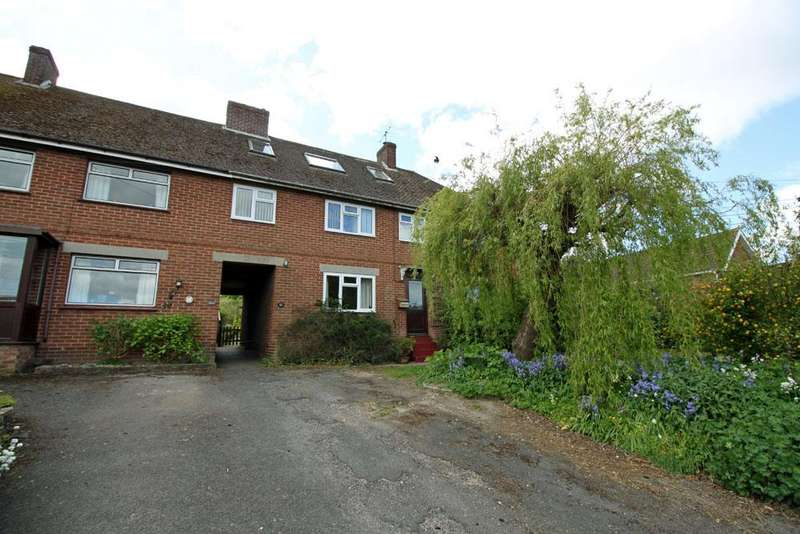 4 Bedrooms Terraced House for sale in dellands, overton rg25