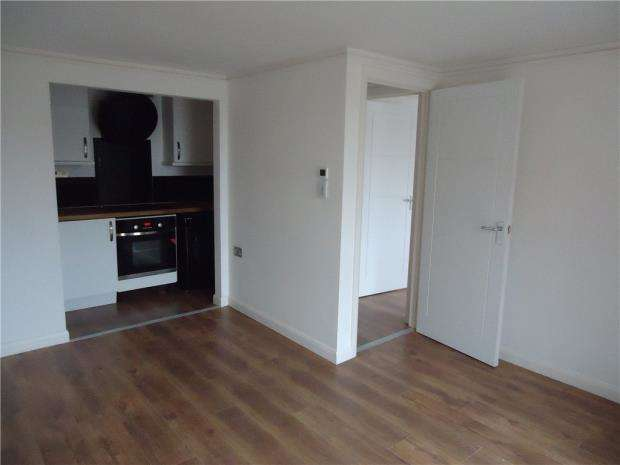 1 Bedroom Apartment Flat for sale in Flat 10, High Street, Wellingborough