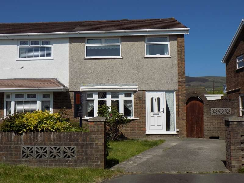 3 Bedrooms Semi Detached House for sale in Village Gardens, Baglan Moors, Port Talbot, Neath Port Talbot. SA12 7LW