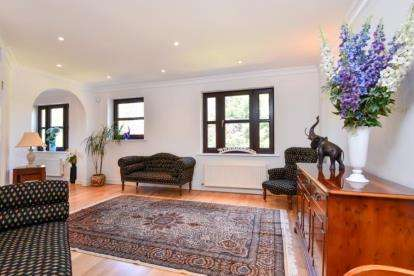 4 Bedrooms End Of Terrace House for sale in Albemarle Park, Albemarle Road, Beckenham