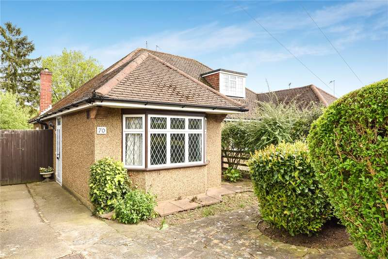 2 Bedrooms Semi Detached Bungalow for sale in Links Way, Croxley Green, Hertfordshire, WD3