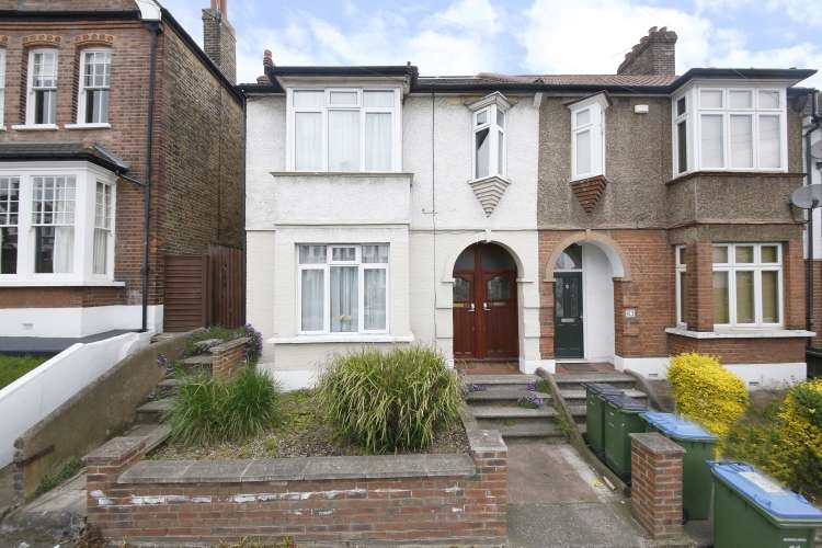1 Bedroom Flat for sale in Eastcombe Avenue Charlton SE7