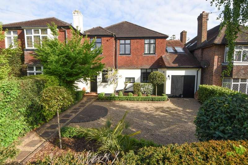4 Bedrooms Semi Detached House for sale in Bowes Road, WALTON ON THAMES KT12