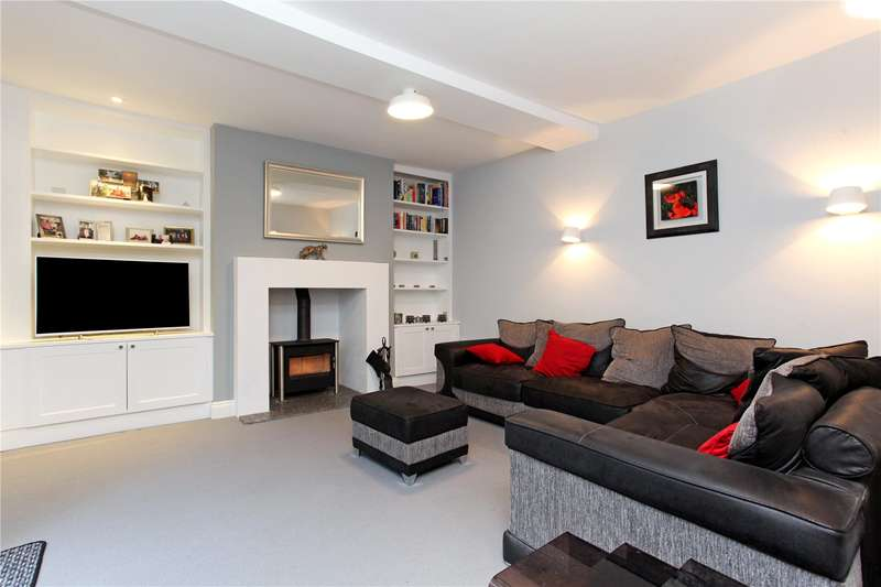 2 Bedrooms House for sale in West Street, Farnham, Surrey, GU9