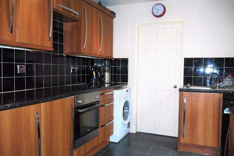 1 Bedroom Flat for sale in Trevelyan Road, London, Greater London. E15