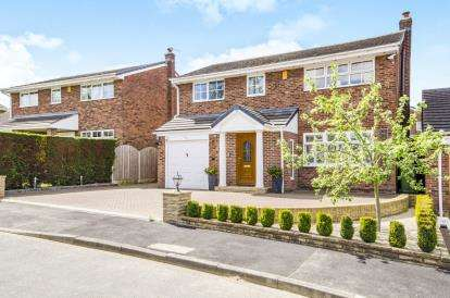 4 Bedrooms Detached House for sale in Stillwell Drive, Sandal, West Yorkshire, Wakefield