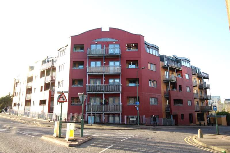 2 Bedrooms Flat for sale in Town Centre, Hemel Hempstead