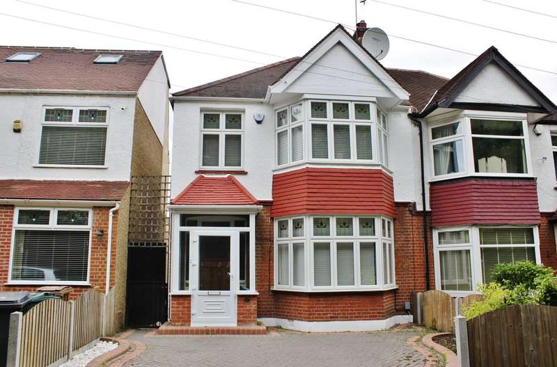 3 Bedrooms Semi Detached House for sale in Forest Drive, Woodford Green