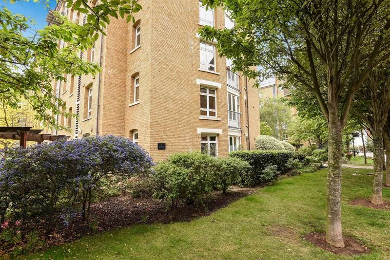 2 Bedrooms Flat for sale in Park West Building, Bow Quarter