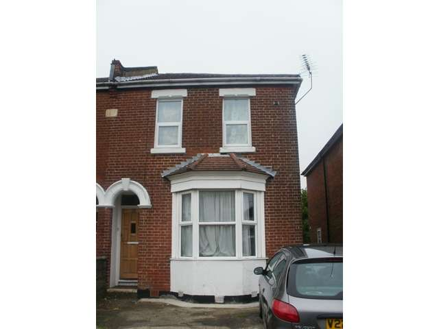 5 Bedrooms Semi Detached House for rent in 5 Woodcote Road