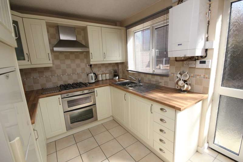 2 Bedrooms Mews House for sale in Lyndhurst View, Dukinfield