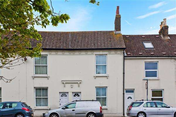 2 Bedrooms Terraced House for sale in Beaconsfield Road, Portslade