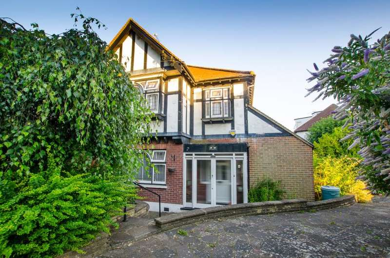 3 Bedrooms Semi Detached House for sale in East End Road, East Finchley N2