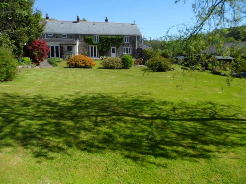5 Bedrooms Property for sale in Plasycoed Cwmgiedd, Ystradgynlais, Swansea