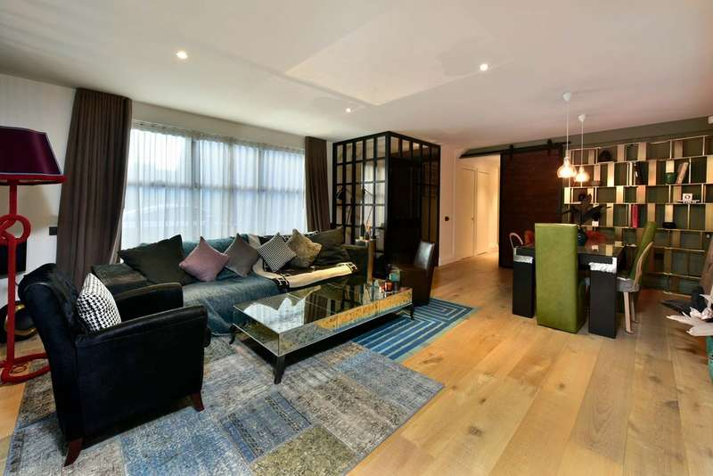2 Bedrooms Flat for sale in Rochester Place, NW1 9JU
