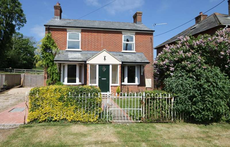 3 Bedrooms Detached House for sale in Norton Green, Isle of Wight
