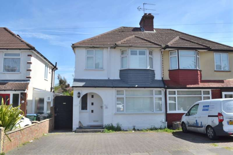 3 Bedrooms Semi Detached House for sale in Perivale Gardens, Garston Watford