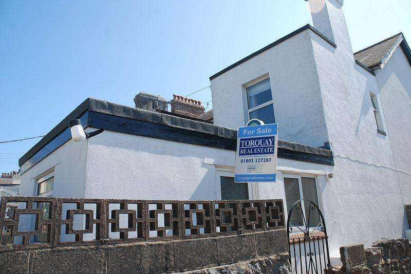 1 Bedroom End Of Terrace House for sale in Kenwyn Road, TORQUAY