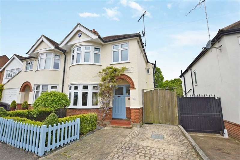 3 Bedrooms Semi Detached House for sale in Tower Road, Epping