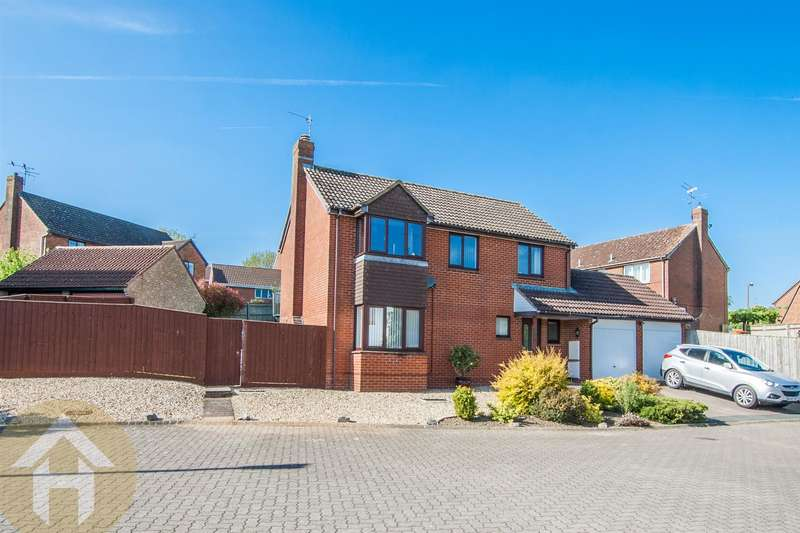 4 Bedrooms Detached House for sale in Home Ground, Woodshaw, Royal Wootton Bassett