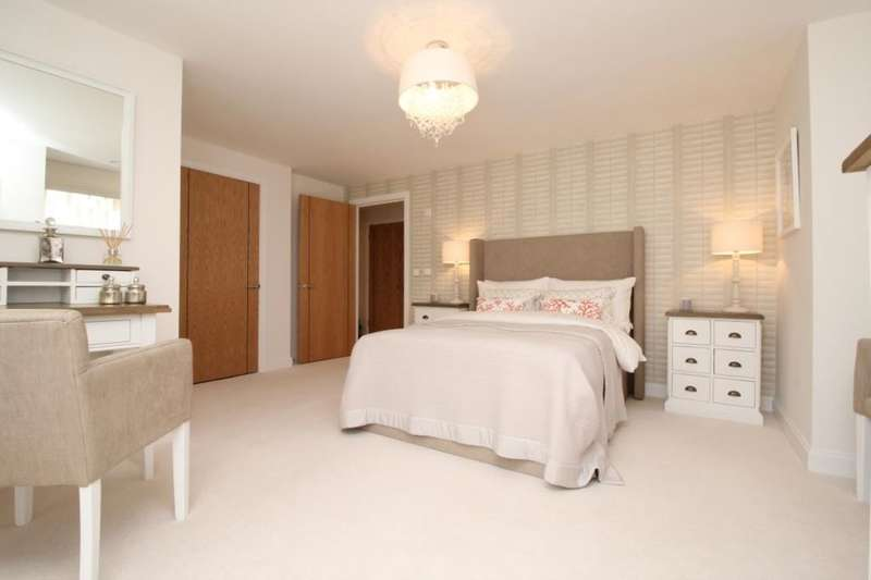 1 Bedroom Flat for sale in Folland Court Hamble Lane, Hamble, Southampton, SO31