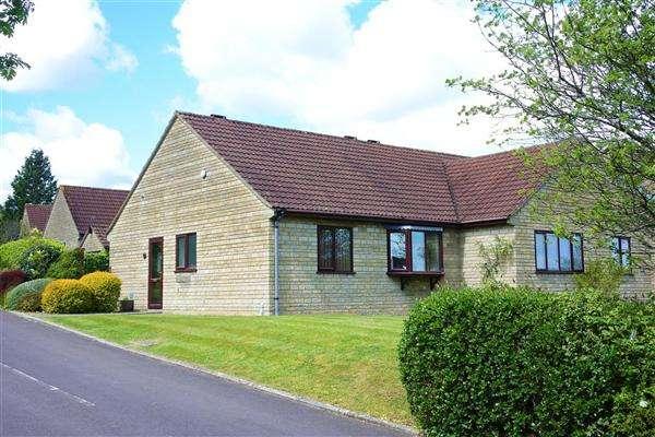 2 Bedrooms Bungalow for sale in Hilmar Drive, Gillingham