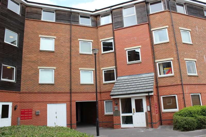 2 Bedrooms Flat for sale in Yersin Court, Old Town, Swindon