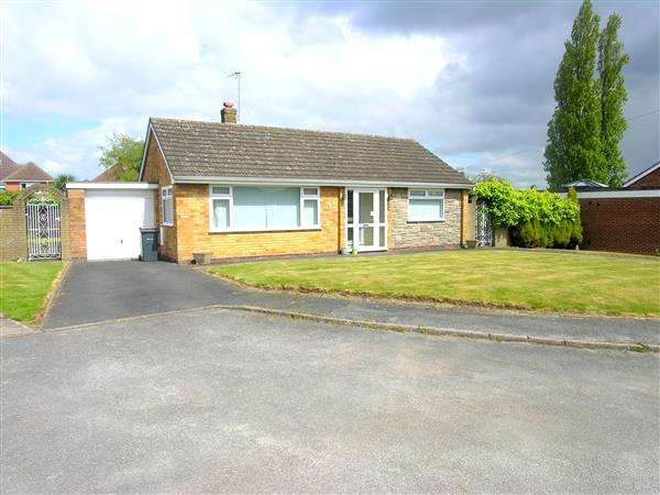 2 Bedrooms Bungalow for sale in Kings Croft, Sheldon