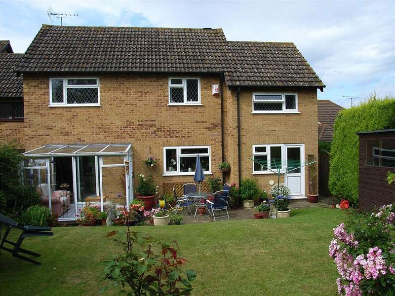 4 Bedrooms Detached House for sale in Purley On Thames
