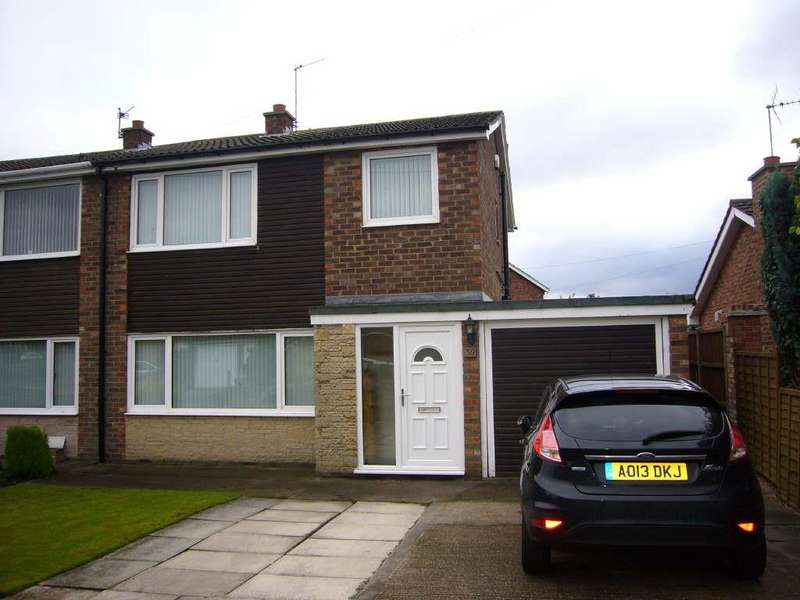 3 Bedrooms Semi Detached House for sale in The Mount, Selby